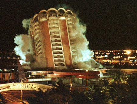1996 The Sands Hotel In Las Vegas Is Imploded To Make Way For Venetian Google Search