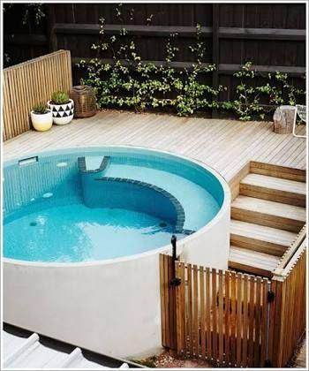 Resultado de imagen para piscinas pequenas com deck e churrasqueira