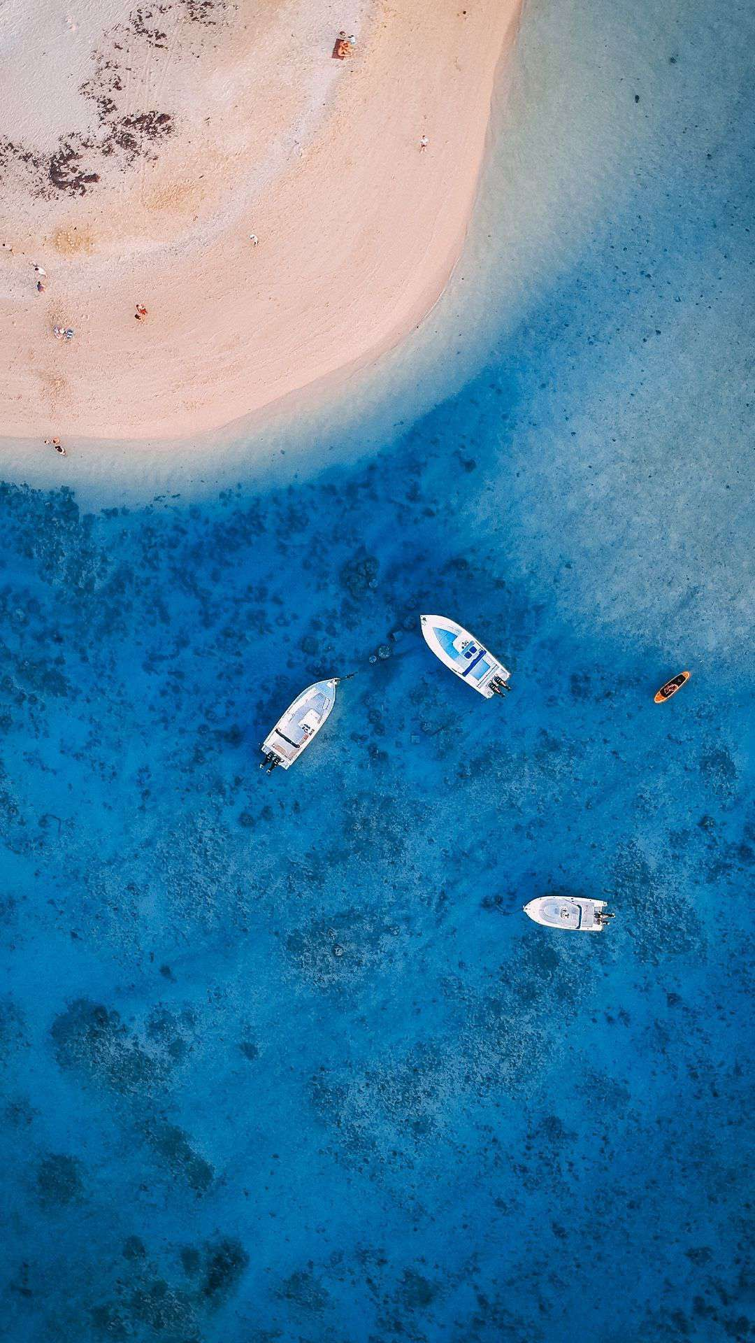 Beach People Boats Aerial View Iphone Wallpaper Boat Wallpaper Beach Wallpaper Iphone Google Pixel Wallpaper Wallpaper coast aerial view sea boat