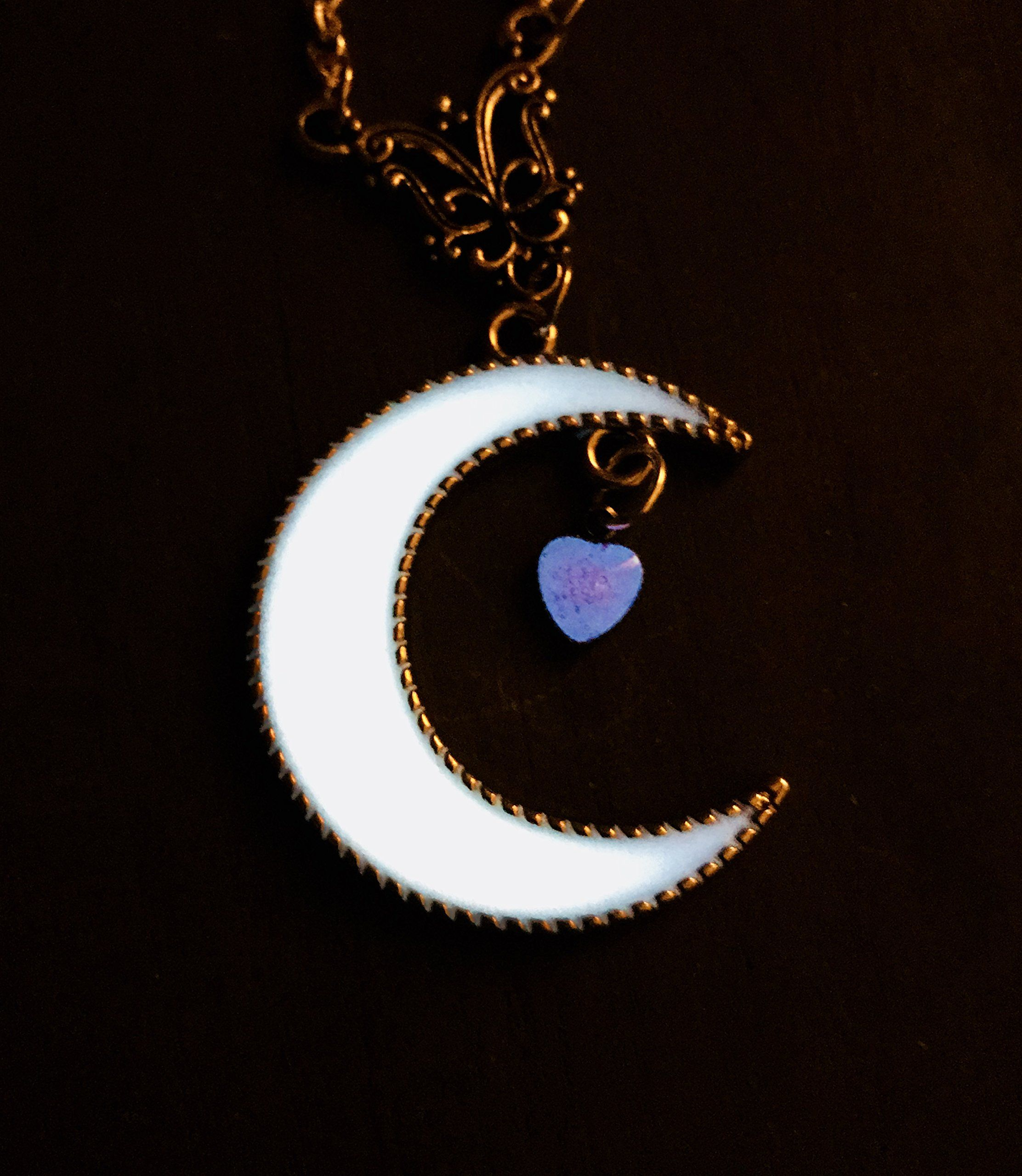 Sailor Moon Style White Glowing Crescent Moon With Pink Glow In The Dark Heart Charm Steampunk Cosplay Cost Cosplay Necklace Pendant Steampunk Cosplay Costumes