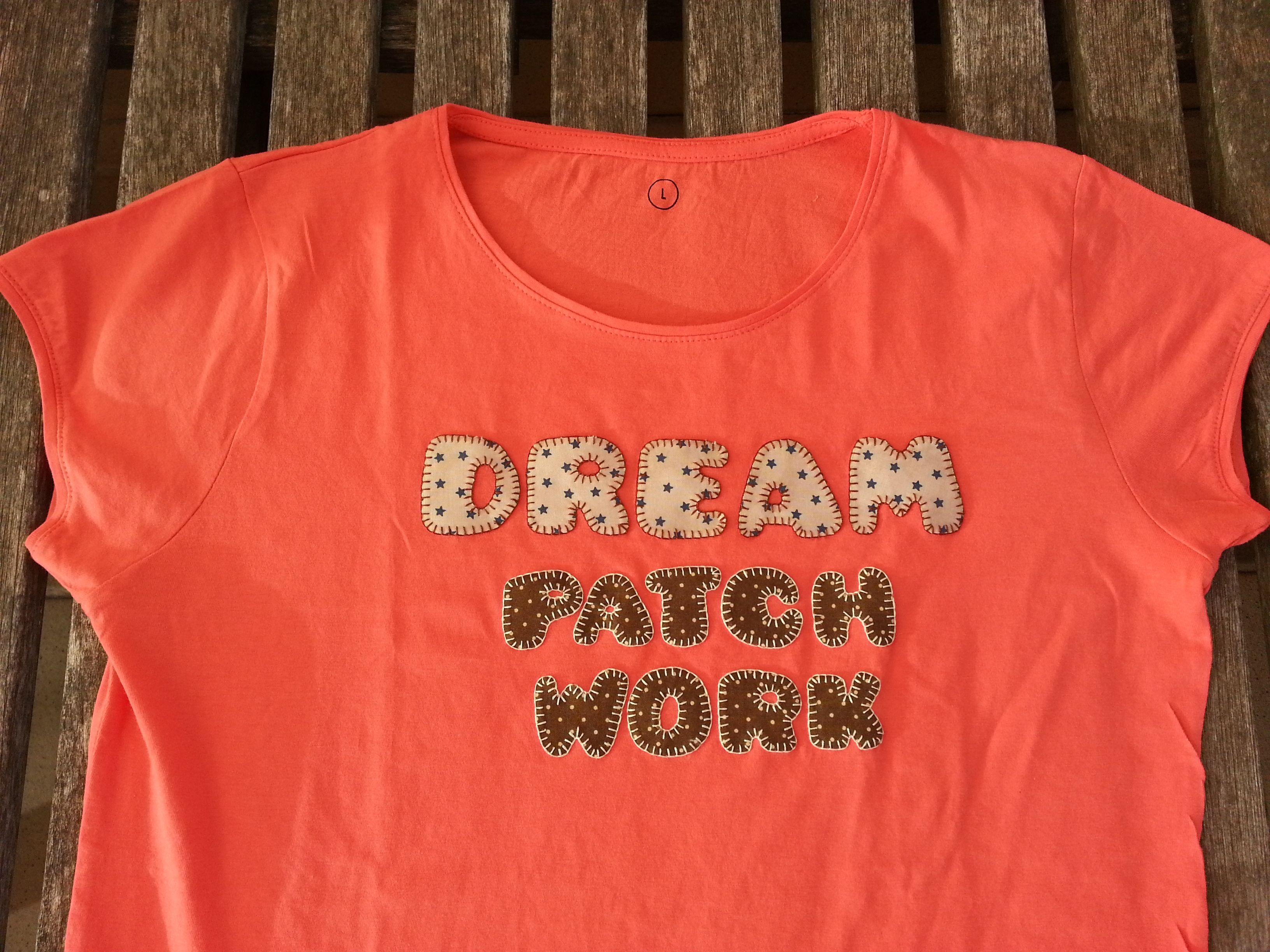 Camiseta con aplicación en patchwork / T-Shirt with patchwork applique DIY