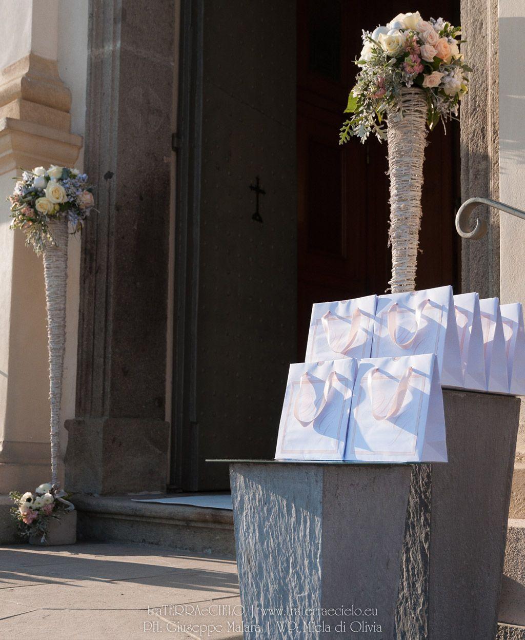 Tableau Matrimonio Natalizio : Matrimonio inverno sposa sposo portafedi tableau de mariage