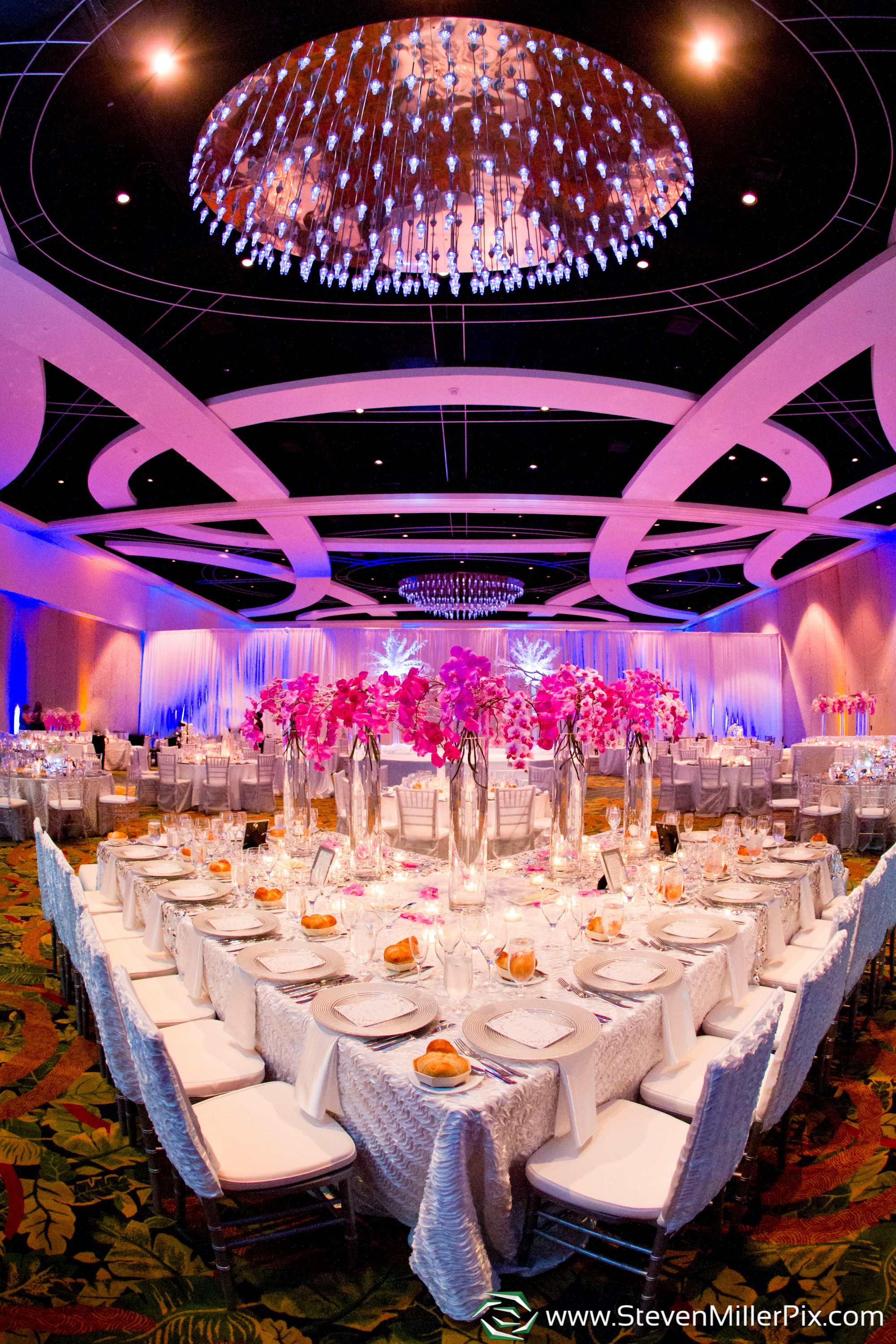 A great ensemble of Orlando wedding vendors put together a great ...