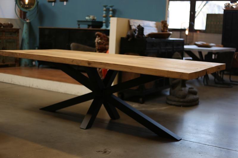 Esstisch Industriestil Massivholz Eiche Tisch - industrielle Möbel - esstische aus massivholz ideen