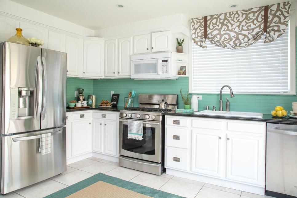 DIY Network shows how a drab 1980s kitchen was transformed ...