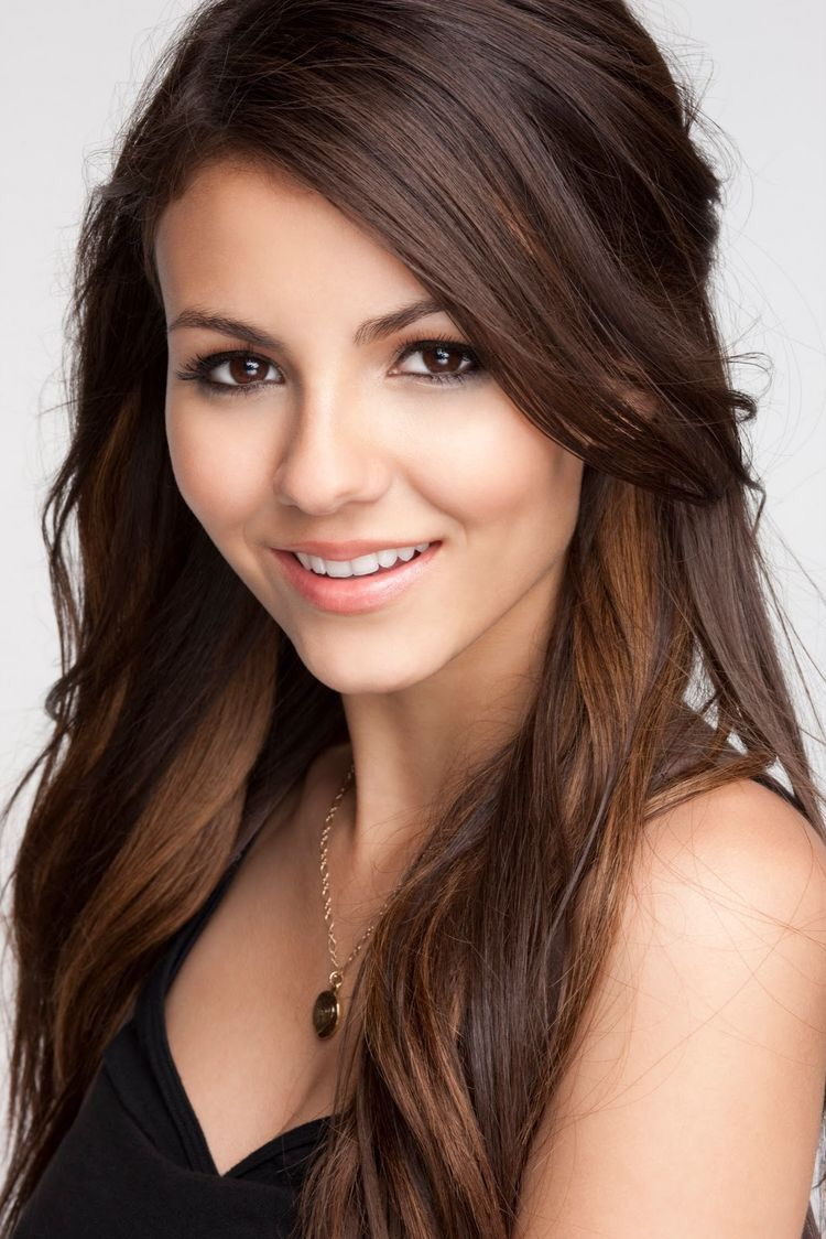 Victoria Justice Victoria Justice Hairstyle Brunette Beauty