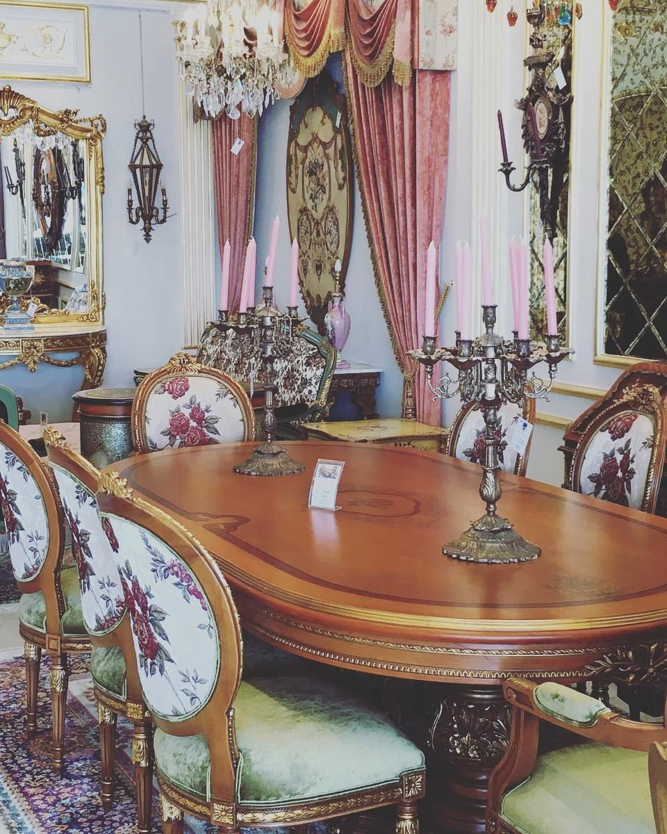 Showroom Display Trevidesign Warde Dubai Abudhabi Qatar Furniture Classicfurniture