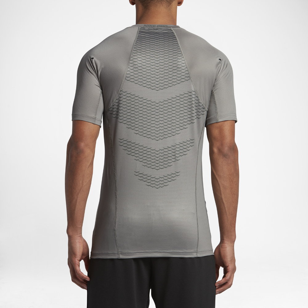 37c041dcb409 Nike Pro HyperCool Men s Short Sleeve Top Size Medium (Grey ...