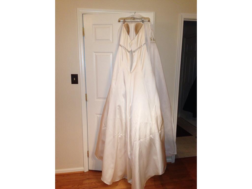 Pre owned wedding dresses  Davidus Bridal wg  Size   Used Wedding Dresses  Wedding