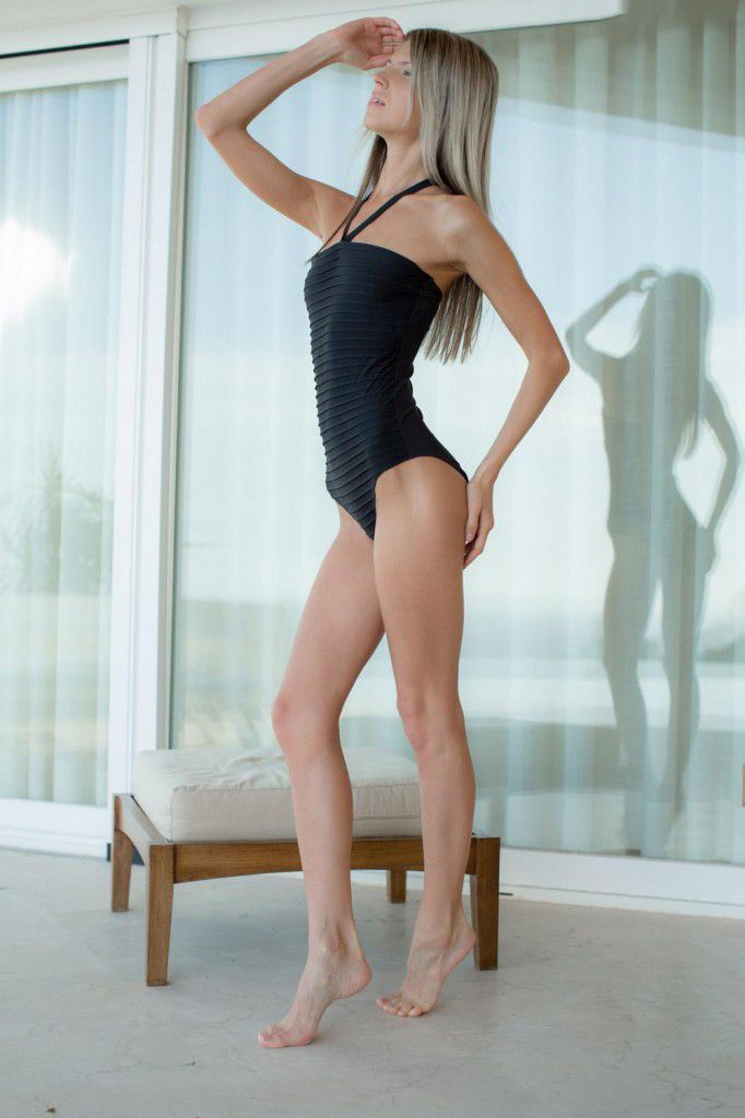 Skinny Gina Gerson In Black Swimsuit Lovely Beauties