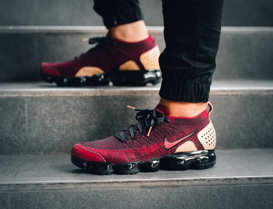 40030b021e guide-achat-air-vapormax-2-bordeaux-et-beige-on-feet (2) | MENS ...