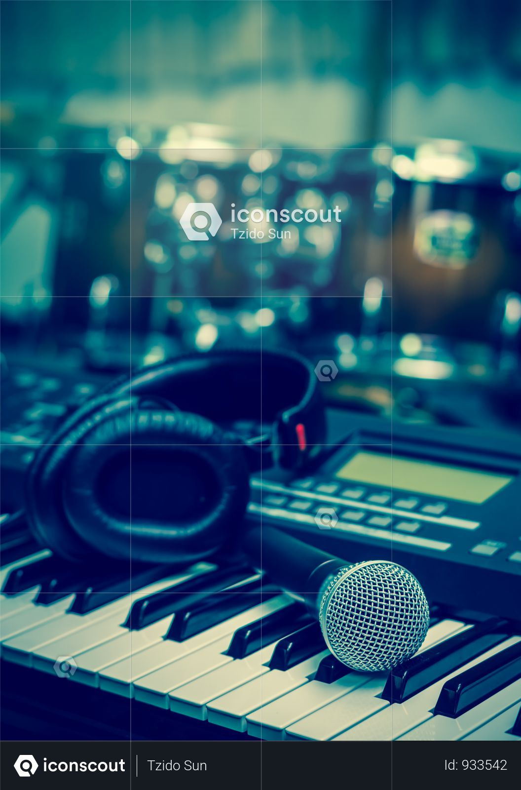 Premium Microphone On Music Keyboard With Music Brand Blurred Background Music Instrument Concpet Photo Download In Png Jpg Format Music Keyboard Blurred Background Music Instruments