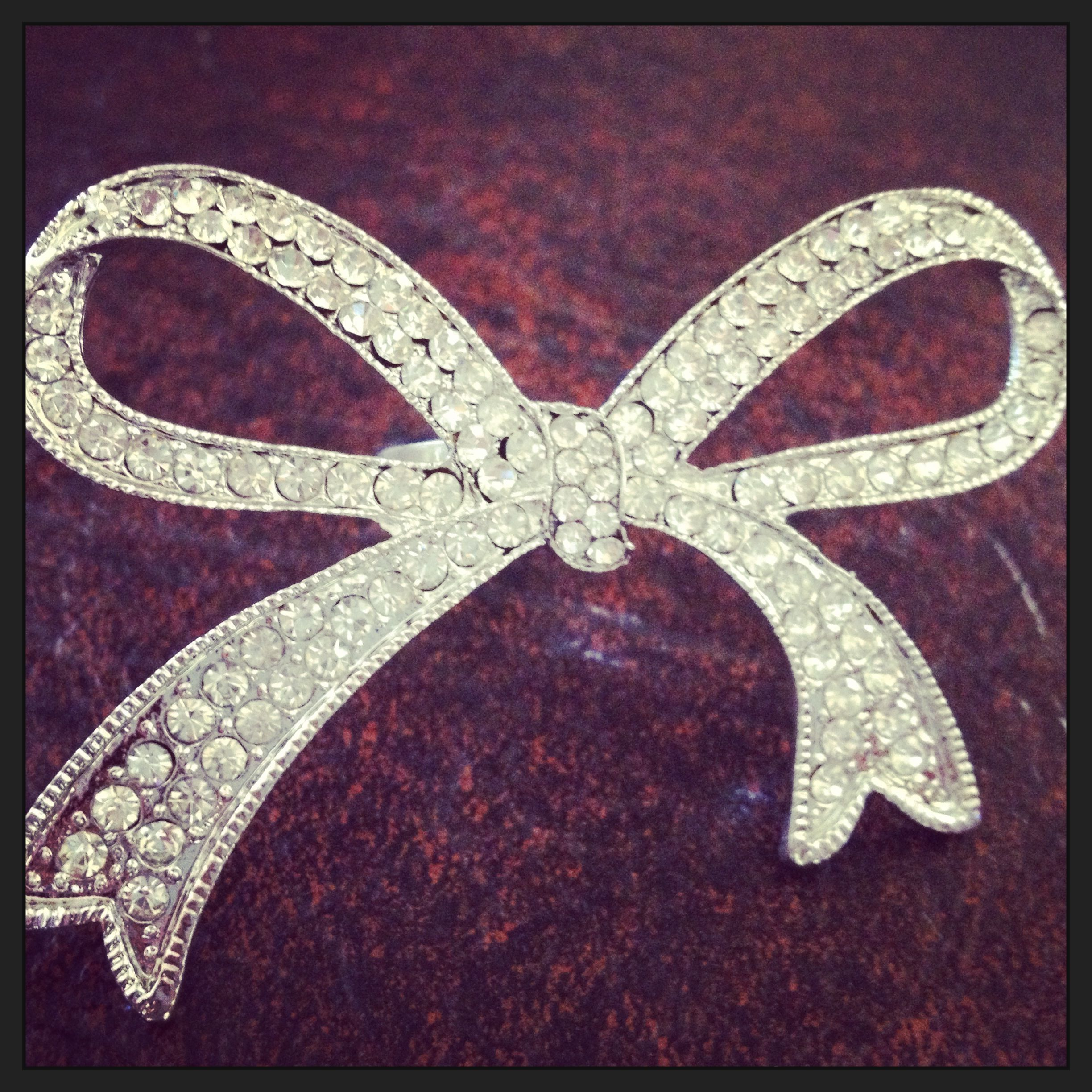 Large bow ring