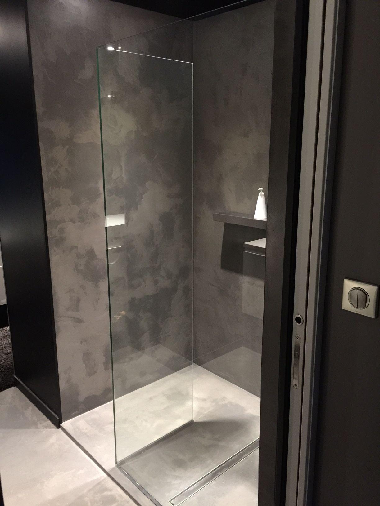 Douche A L Italienne Salle De Bain En Beton Cire Rouen 76 Bathroomcloset Douche En Beton Cire Douche Italienne Design Douche Beton