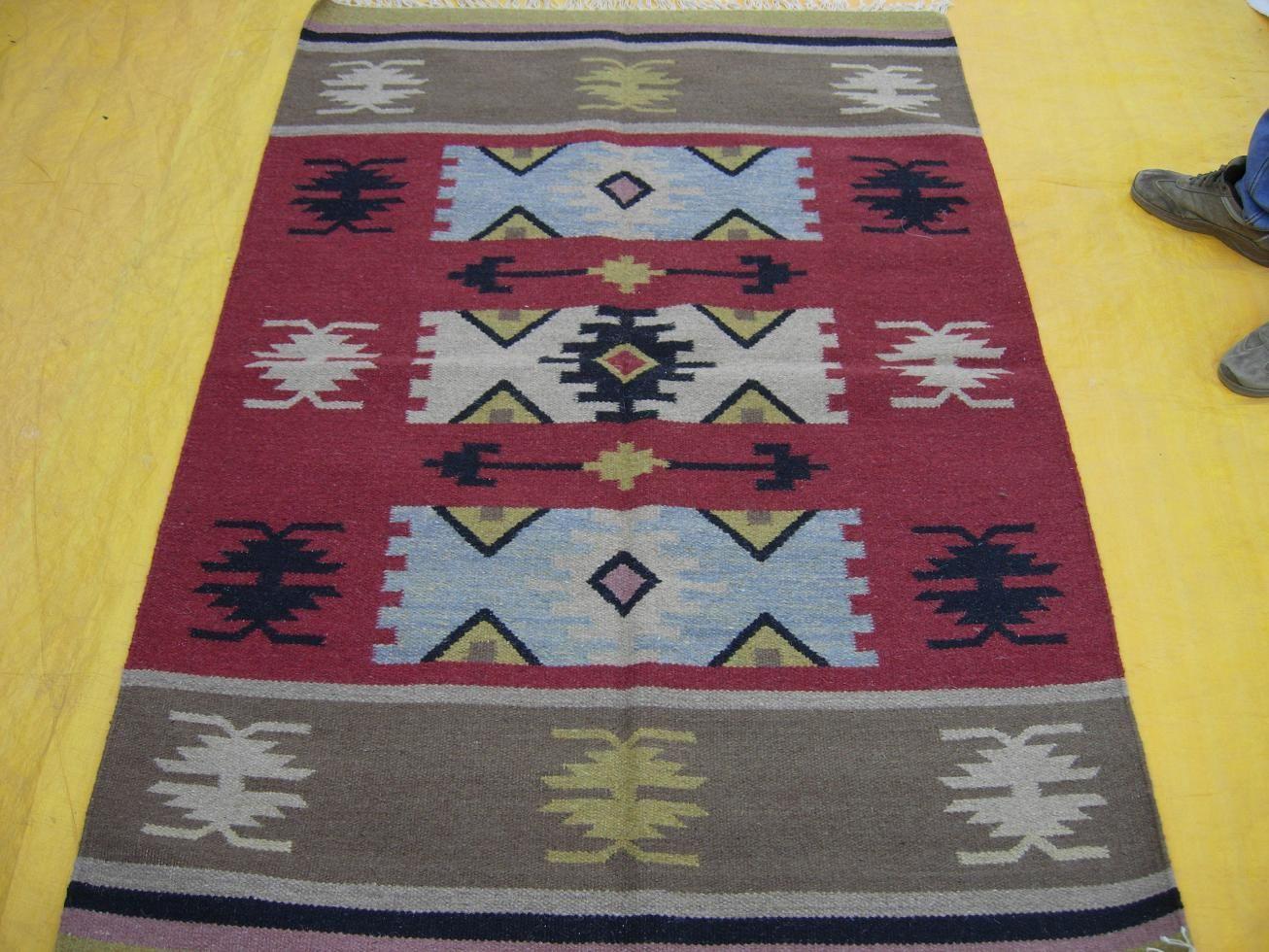 Www Surekasgroup Com Punja Dhurrie Or Say Reversable Woolen Rugs Manufactured In India By Global Flatwoven Kelims Dhurries Manufacturers In India Custo