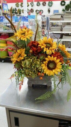 Sunflower Floral Arrangements At Michael S Sunflower Arrangements Table Floral Arrangements Fall Floral Arrangements