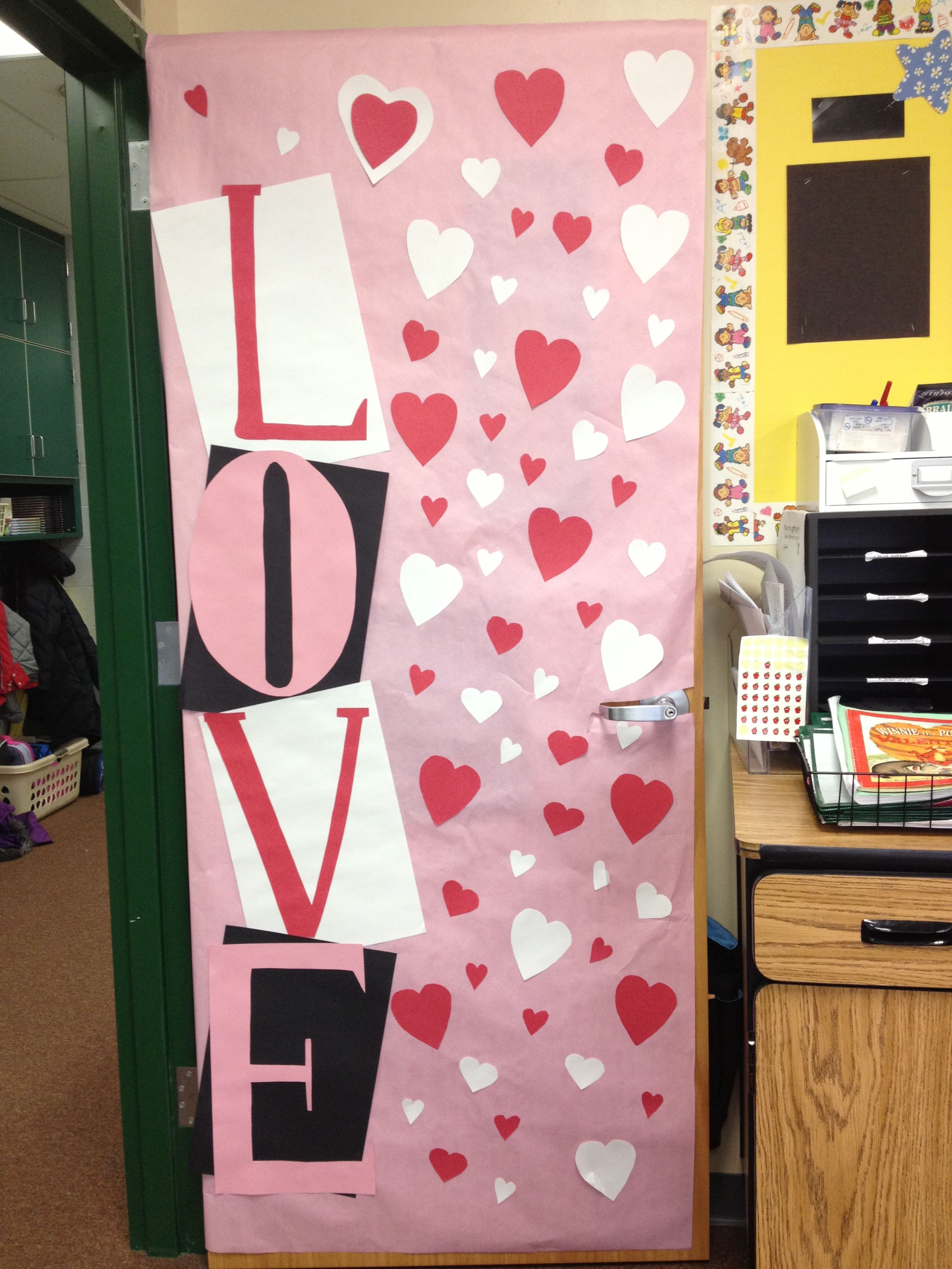 Preschool Classroom Valentine Ideas : Valentine s day classroom door i like the look of the layered