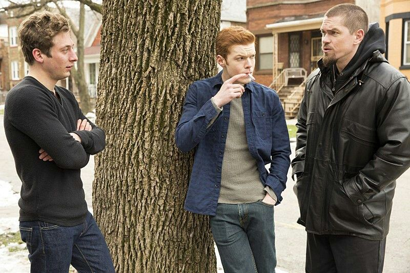 Cameron Monaghan as Ian Gallagher,Jeremy Allen White as Lip Gallagher & Steve Howey as Kevin Ball in Shameless Us