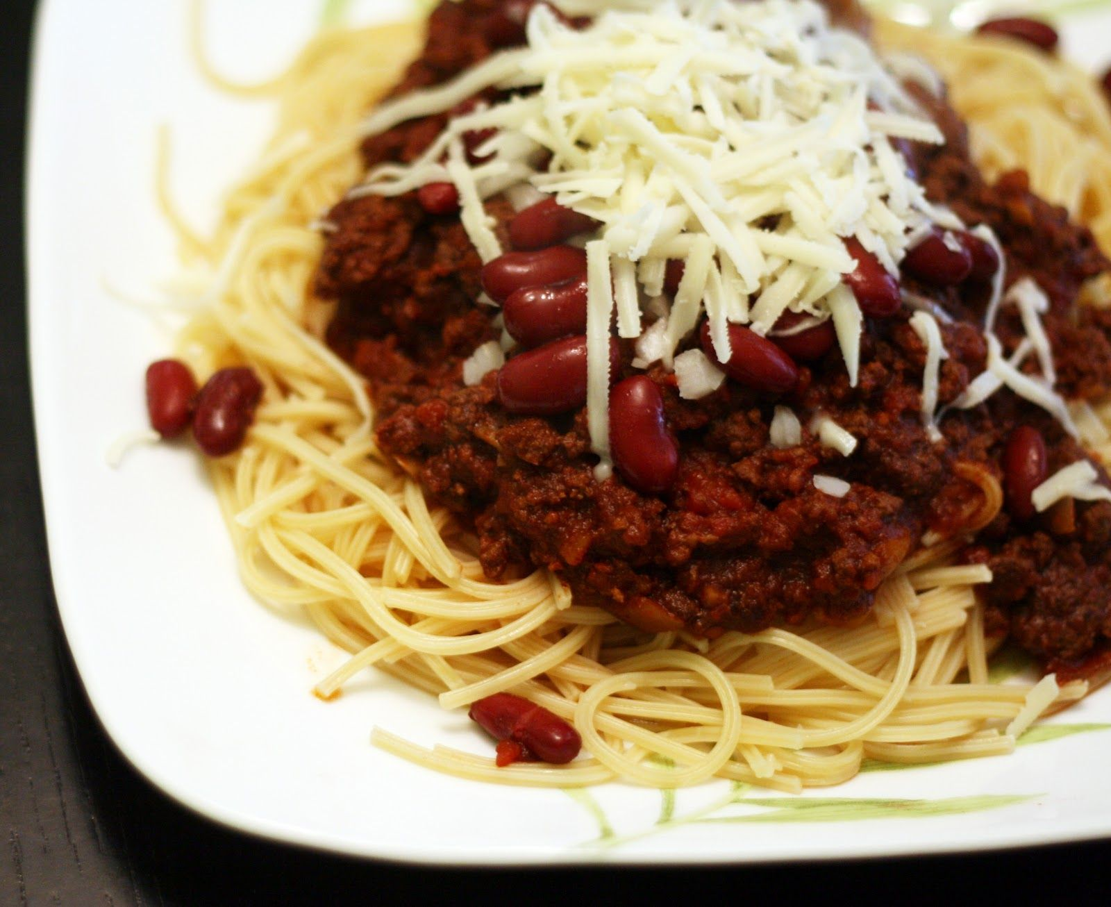 Coconut & Lime | Slow Cooker Cincinnati Chili ~ I don't have a slow cooker so I do this all on the stove. Pretty good cincinnati chili attempt, nice spice level for when I crave that chili and spaghetti and I can't get out here
