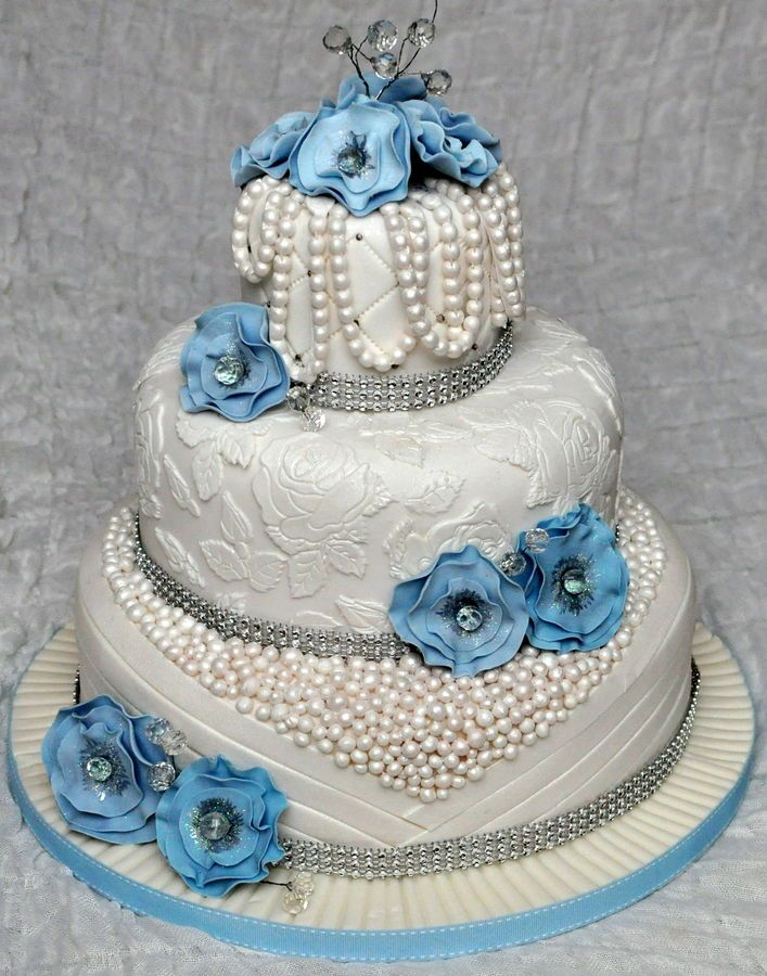 bling wedding cake stand with pearls 3 tier wedding cake with edible pearls and lace decorated 11935