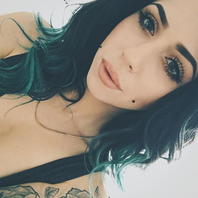 Jade *o*