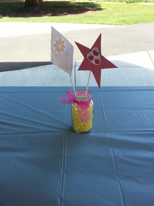 Cutie mark centerpieces @ Annabelle's Party
