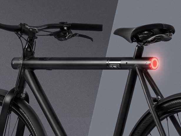 VanMoof SmartBike, the company claims that this project is the smartest thing on wheels, it's not your ordinary bike. Thieves won't be able to steal your bike, VanMoof guarantees it.