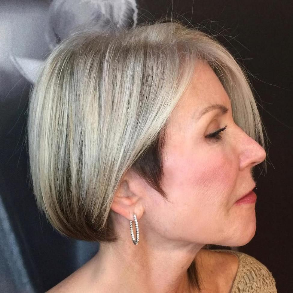 classy and simple short hairstyles for women over subtle