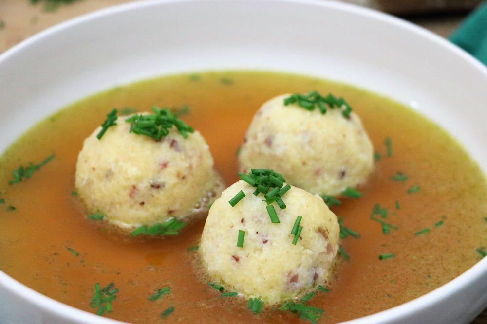 Suppeneinlage Auf Vorrat Gries Speckknodel Do Iteria Rezept Suppeneinlagen Rezepte Suppen Und Eintopfe