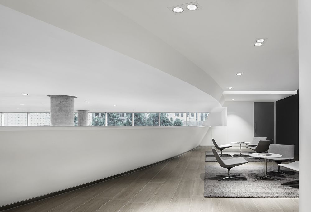 501 Swanson Melbourne S Audi And Maserati Dealership By Elenberg Fraser With Images Interior Design Courses Office Interior Design Interior Design Blog