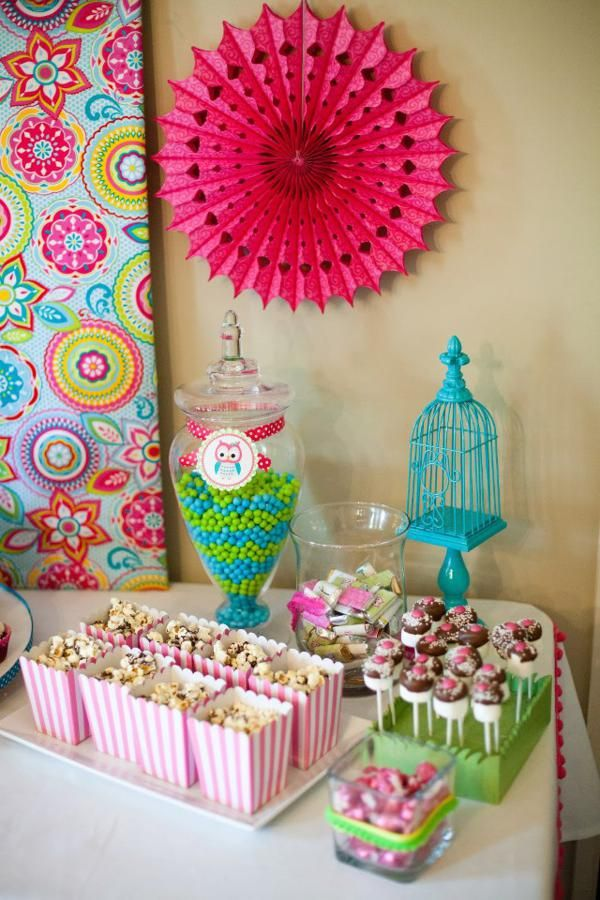 Owl Whoos One themed birthday party supplies planning idea Skys