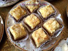 Ce gâteaux et très très bon, très tendre et moelleux, c'est une recette familiale à succès vous n'allez pas regretter de l'essayer, vous pouvez le réaliser avec tout sortes de fruits secs (cacahuètes, amandes, pistaches, noix, noisettes) mais celui-là...
