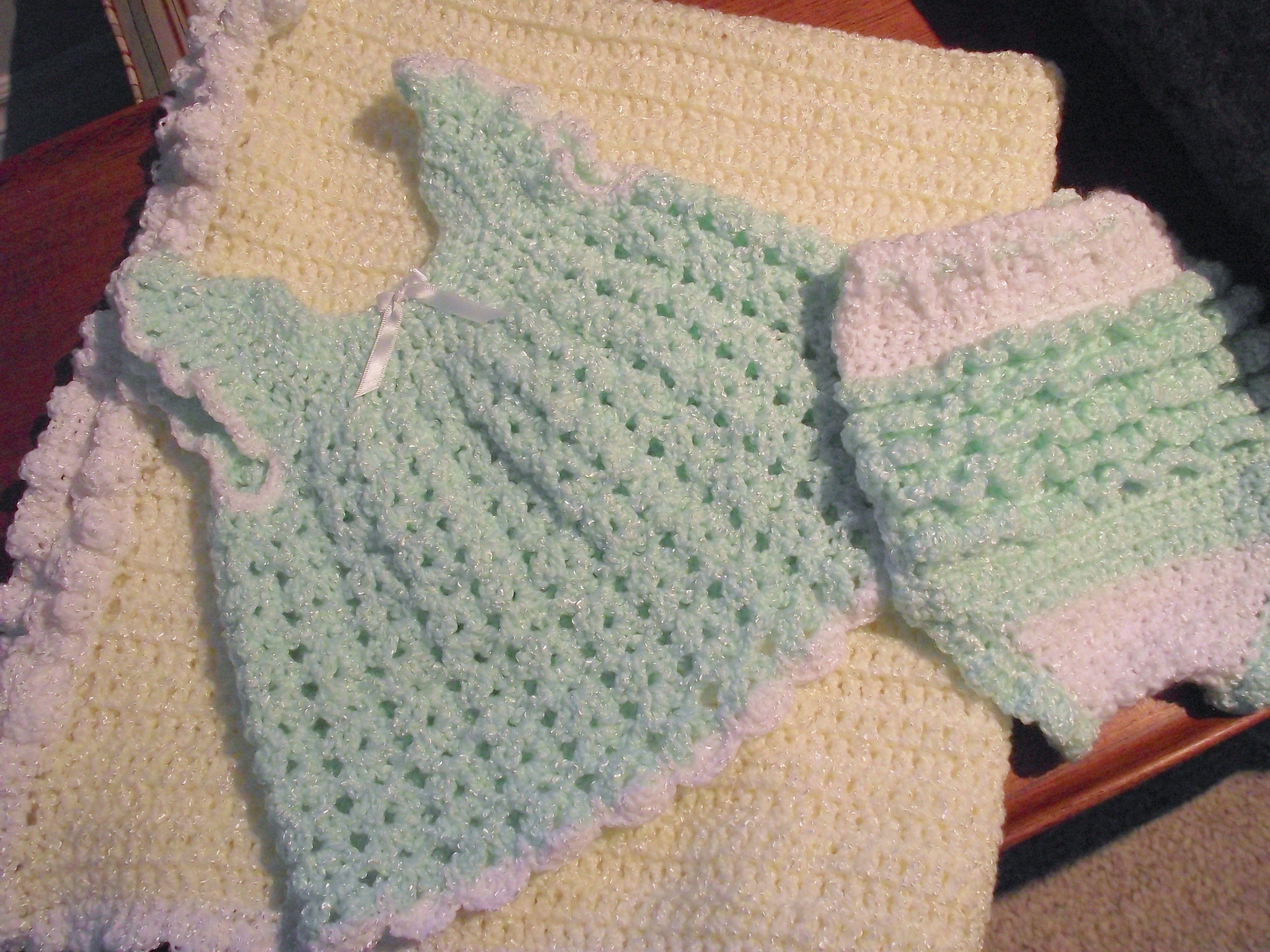 Upskirt white panties | chicas enseñando calzón | Pinterest