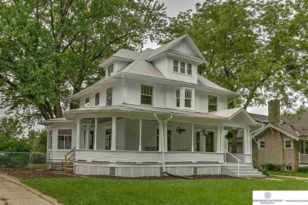 1907 Omaha Ne 175 000 Old House Dreams Craftsman House Craftsman House Plans Old Houses