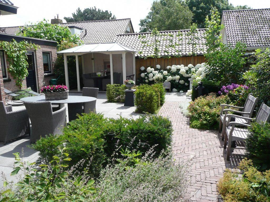 Small garden design by Hoveniersbedrijf Vroege #plants ...