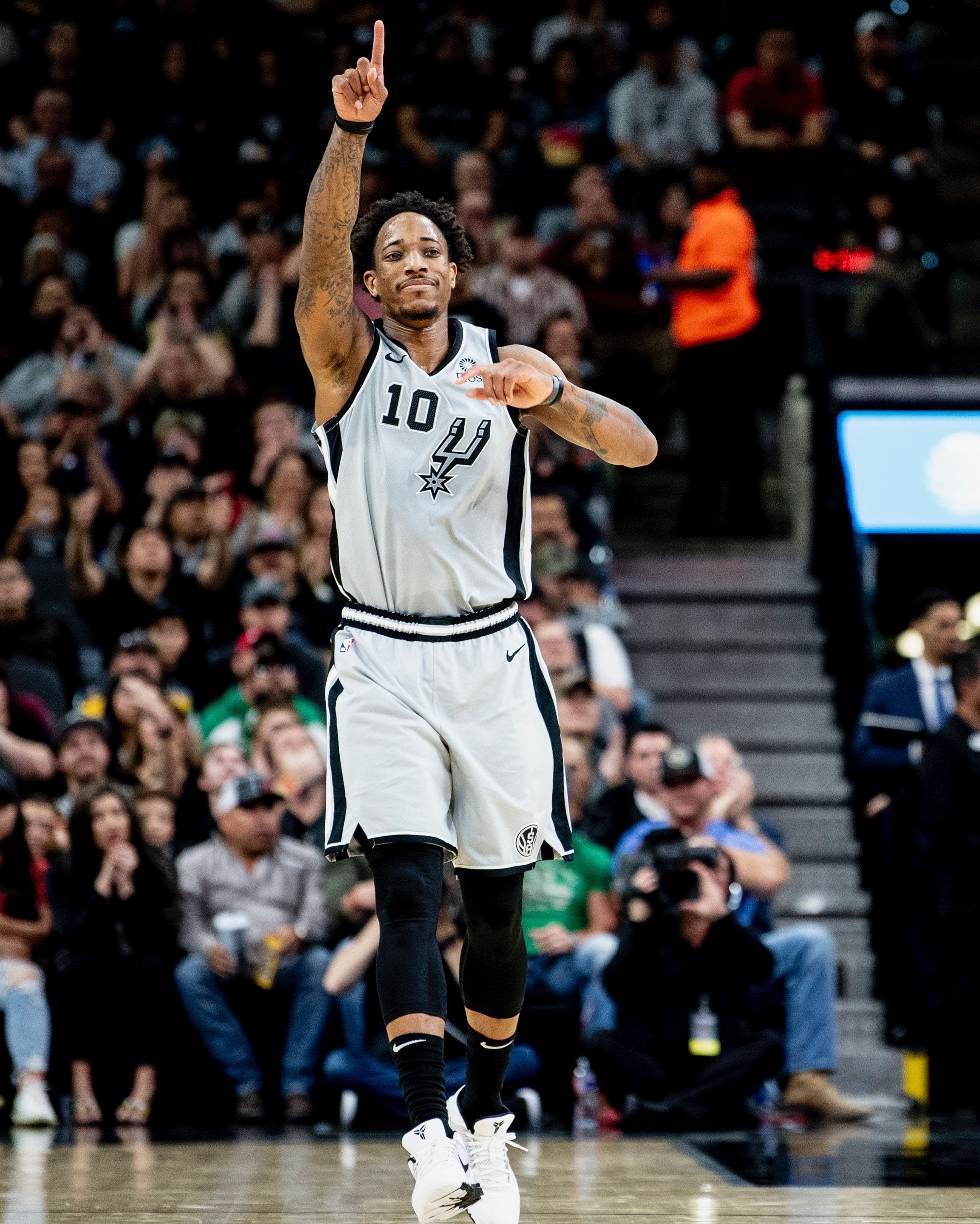 Photos Spurs vs. Celtics 11/9 San antonio spurs, Nba