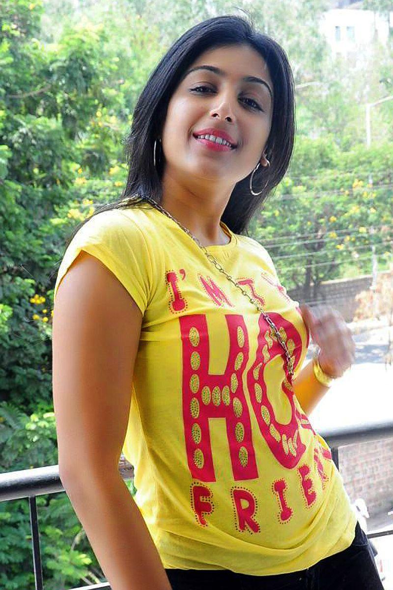 latest hot Padmapriya