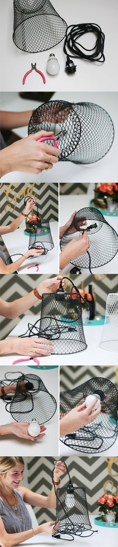 Lámpara DIY a partir de una cesta meetálica / Via http://www.inspiredbythis.com/