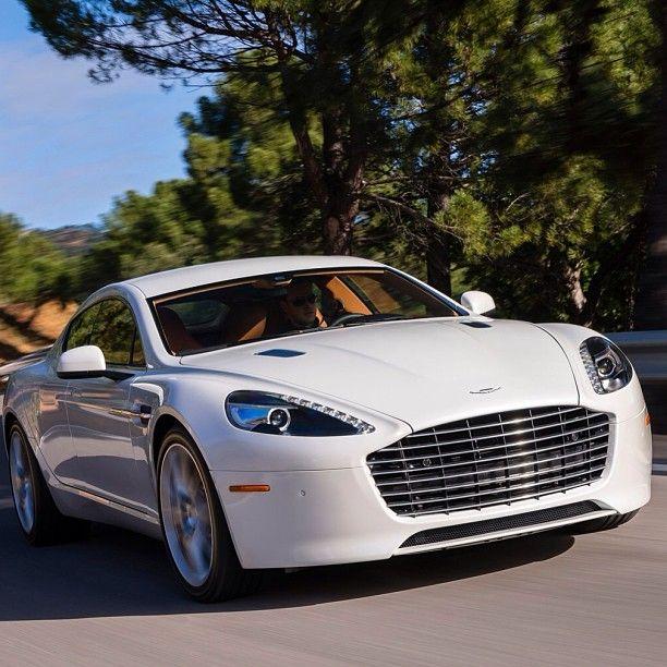 White Elegant, Aston Martin!