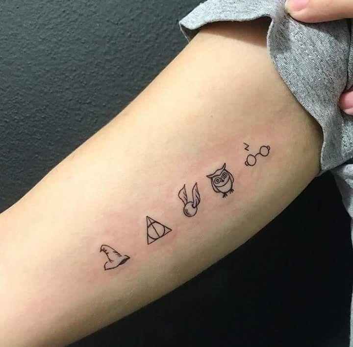 Je ne suis pas tatoueur, mais je voudrais les utiliser pour quelque chose! Tellement mignon!   – Finger Tattoo