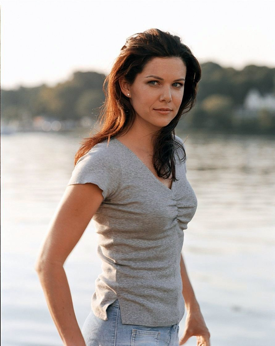 Nude pics of lauren graham