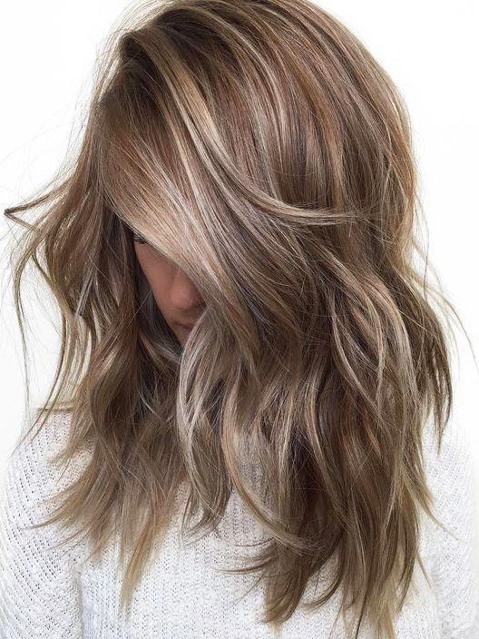 20 erfrischende mittellange Haarfarben im Jahr 2019   – Styling – #erfrischende …
