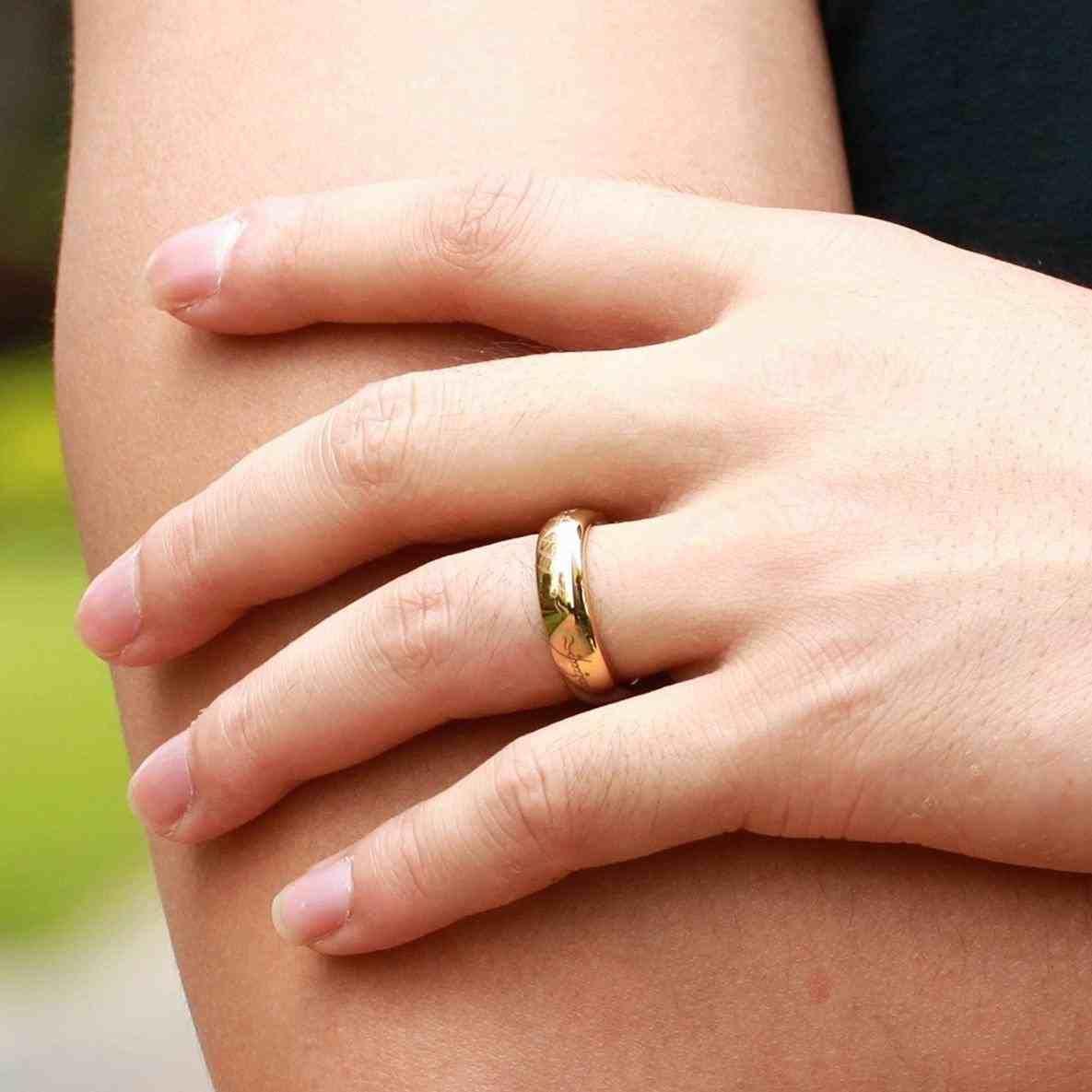 Gold Wedding Rings On Finger Weddings Pinterest Wedding Rings