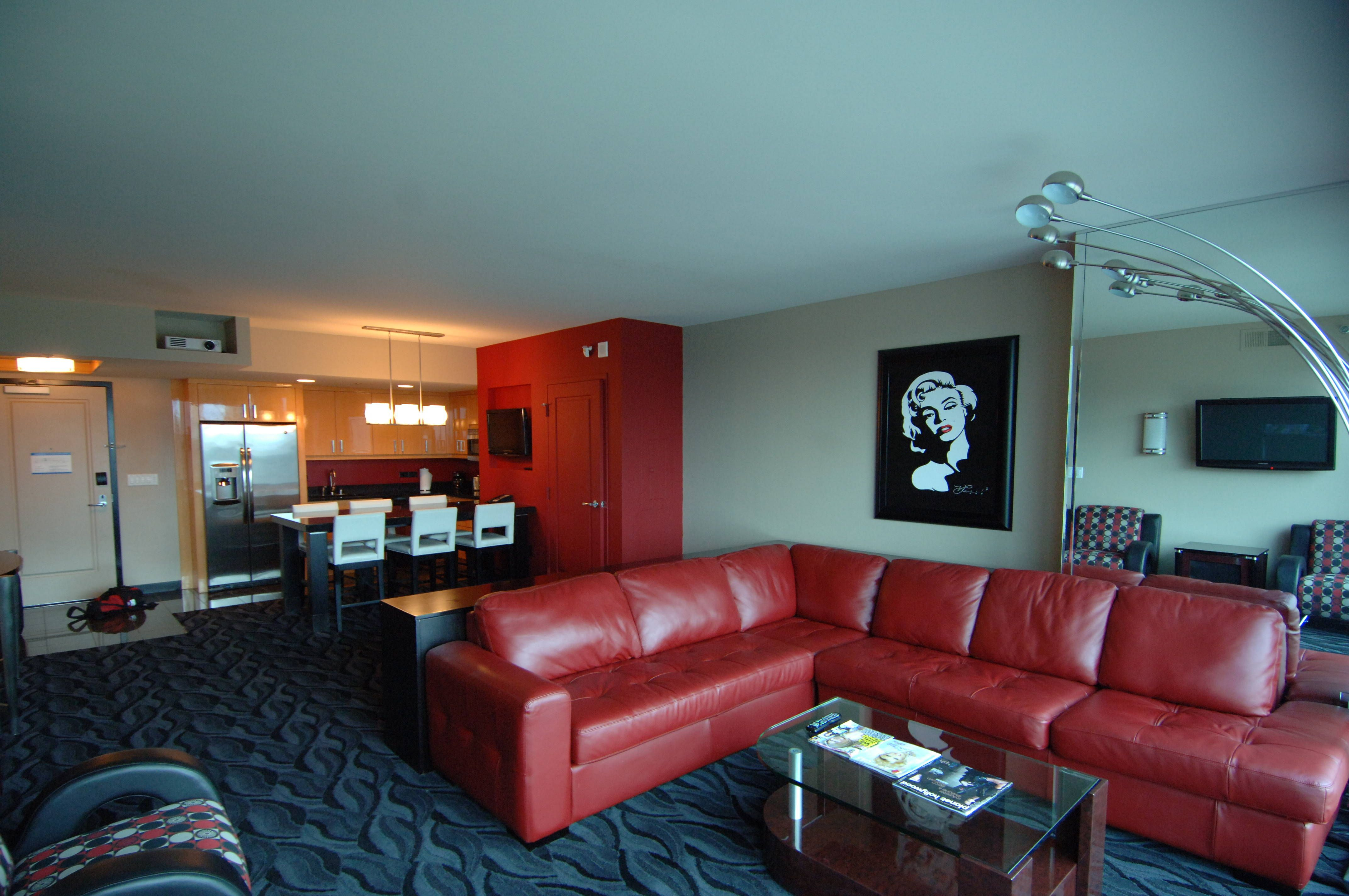 Hollywood Towers Las Vegas Coolest apartments