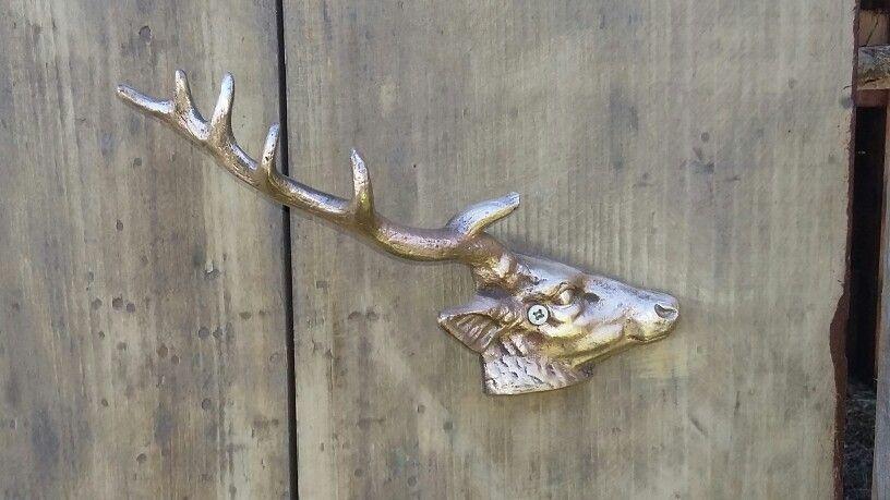 Puxador antigo de bronze.