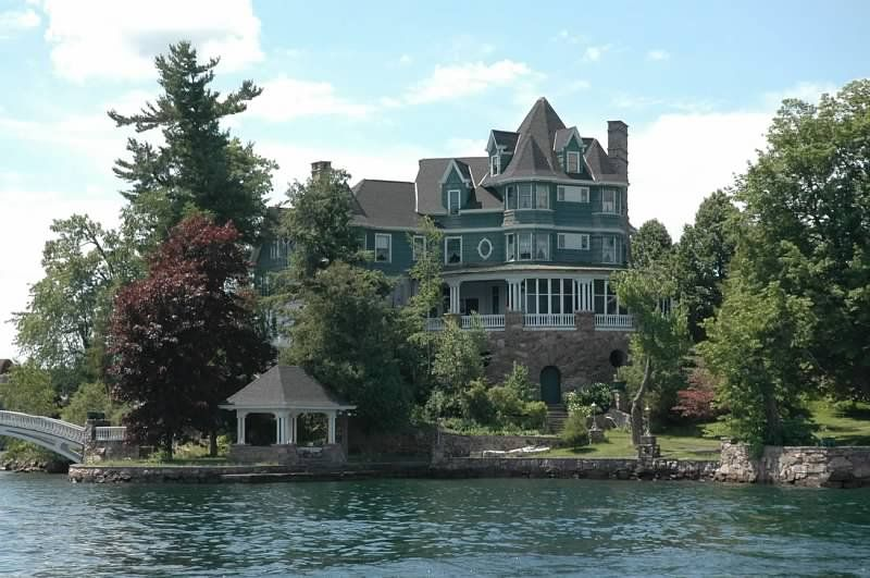 cottage thousand park island for historic ny rental vacation in cottages york victorian on wellesley new islands bed rent