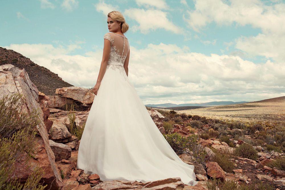 "Brautkleid Sofia aus der Marylise Brautmoden Kollektion 2015 :: bridal dress from the 2015 Marylise collection ""Les nouvelles femmes"" by Misolas"