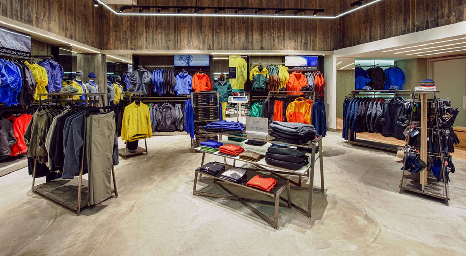 sports shoes 38054 244cc Arc'teryx Montreal store redesign | Arc'teryx in 2019 ...