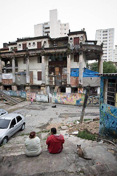 'Vila surreal' de São Paulo será reaberta ao público - 29/03/2015 - Cotidiano - Folha de S.Paulo