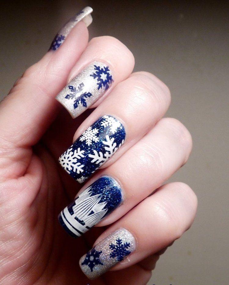 déco ongles Noël base pailletté à flocons de neige